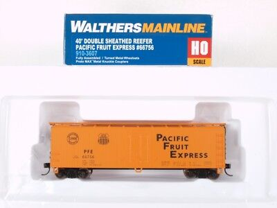 40ft Early Reefer Pacific Fruit Express 31924 HO Scale Walthers 910-41215