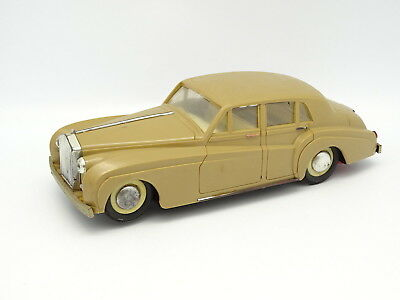 Lb Various Plastic 30cm to Batteries - Rolls Royce Silver Cloud Beige
