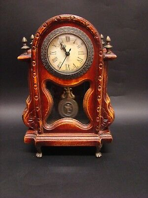 Old Watch D'support In Wood With Pendulum