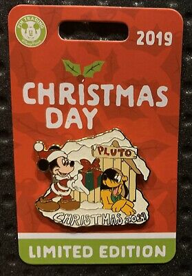 Disney Parks 2019 Christmas Day Trading Pin Mickey Mouse & Pluto NEW