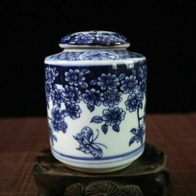 Chinese old porcelain Blue and white butterfly love flower pattern Tea caddy pot