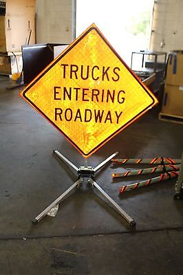 Dicke Safety Products SIGN STAND TRUCK ENTERING ROADWAY