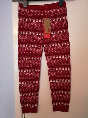 Brand new girls thick red Christmas leggings. Size 5 to 6 years