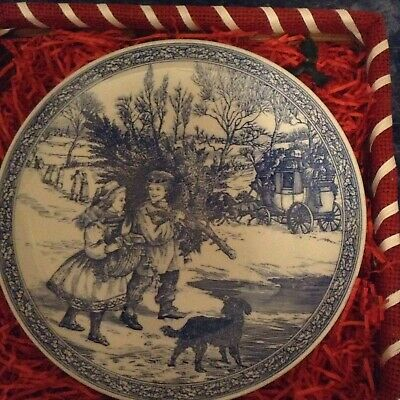 SPODE BLUE ROOM COLLECTION CHRISTMAS PLATE NUMBER 1 -23 cm