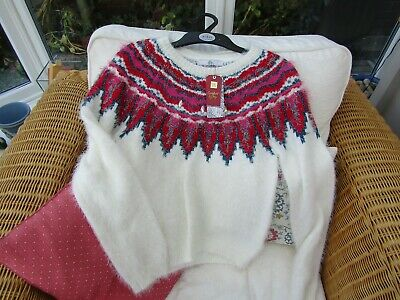 Marks and Spencer girls Christmas jumper age 13-14 years bnwt