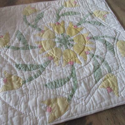 Cottage sweet Yellow Tulips Vintage 30s Doll or Table QUILT 17x18