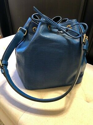Authentic LOUIS VUITTON Epi Noe Toledo Blue leather Shoulder Bucket Bag France