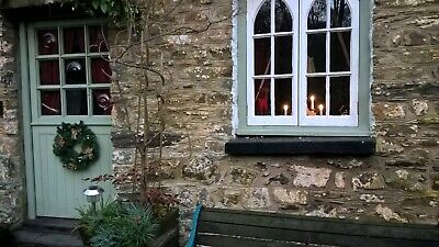 Christmas break Holiday Cottage in rural West Wales, pets welcome, woodburner