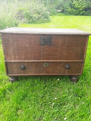 Antique oak coffer with 1 large drawer