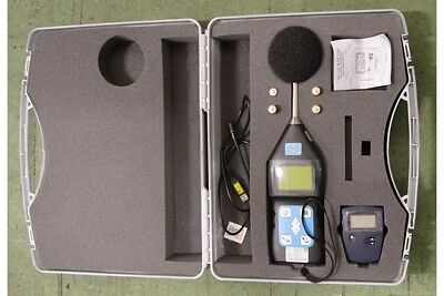CASELLA SOUND LEVEL METER CEL-430/M2 --- cased and fully calibrated