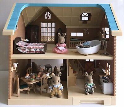 Sylvanian Families Larchwood Lodge, Bath, Shower, Figures and Furniture Set