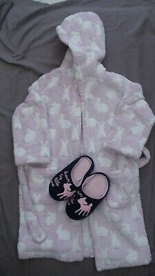 Girls dressing gown fluffy pink/white, black/white shorts pajamas, slippers