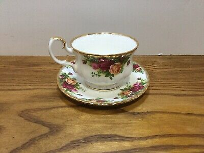 Royal Albert Old Country Roses Large Breakfast teacup and saucer