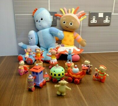 In the Night Garden toy bundle - Upsy Daisy, Iggle Piggle, Ninky Nonk train set