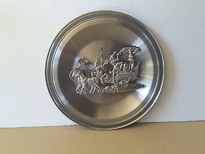 Stunning Pewter  Wall Plate Thailand Chariot  Horses  Guards Kings Pewter Etain