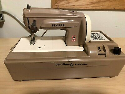 Vintage Singer Sewhandy Model 50D Child's Electric Sewing Machine