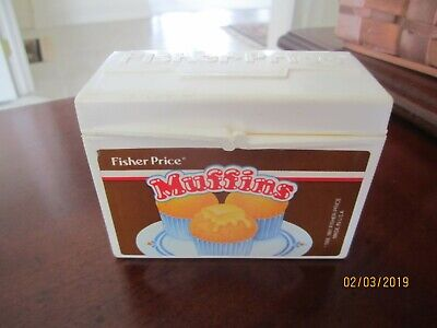 Fisher-Price pretend toy food -Muffin container with nothing inside