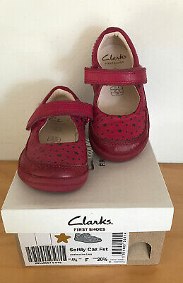 CLARKS GIRLS INFANTS Raspberry Colour LEATHER SHOES SIZE 4.5 F Boxed