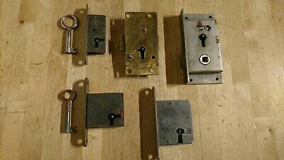 Good lot of Reclaimed Old Inc Brass Cabinet Or Drawer Locks - Some Have keys
