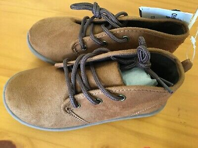 New OshKosh Brown Boots shoes Boys 11,13