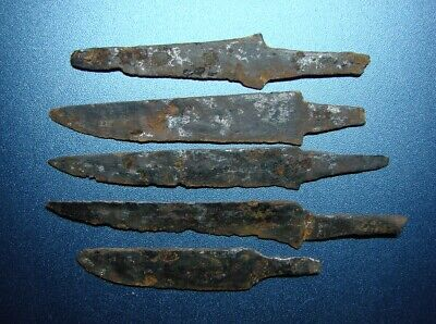 ANCIENT HAZARDS  KNIVES. 6 - 9 centuries. IRON. RARE. ORIGINAL