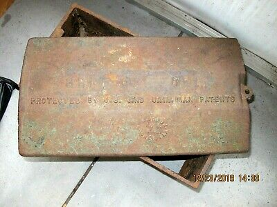Vtg Maddox F&M Works Cast Iron Green Fuel Gas Pipe Cover w Lid 20x10x10