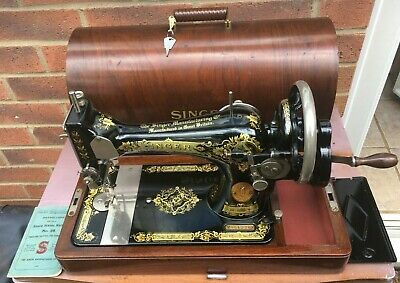 1927 Vintage Singer 28K Handcrank Sewing machine with sewing Instruction Manual