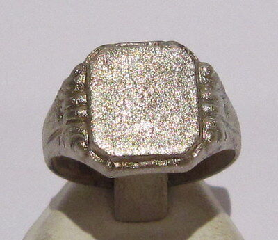 AMAZING WHITE METAL MEN'S RING FROM THE EARLY 20 th c.WITH ENGRAVINGS # 780