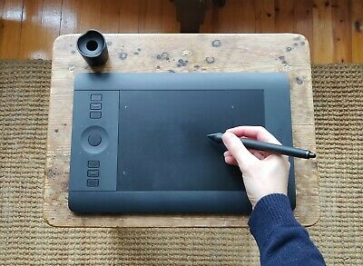Wacom Intuos Pro Small Digital Pen Tablet (PTH451) / with ALL its accessories