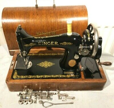 1923 Antique Singer 99K Sewing machine, Vintage sewing machine.