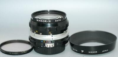 Nikon 28mm f3.5 Nikkor-H Ai wide-angle manual focus lens with shade - Nice Ex++!