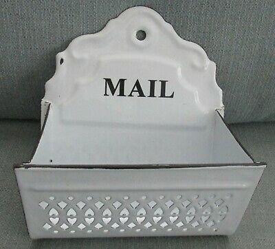 18 x 23cm Metal Heart White Wire Letter Rack Post Storage Shabby Chic Home Decor