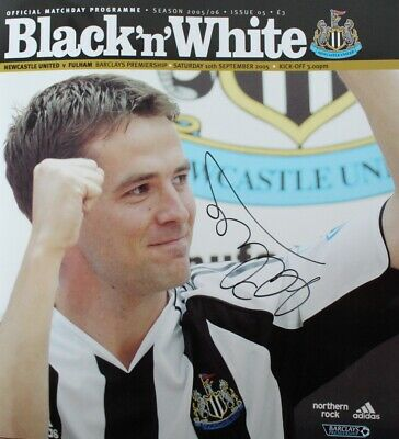 Michael Owen Signed Cover & Centrefold Home Debut 2005 Newcastle Programme