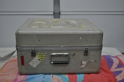 "Fiberglass Shipping/Carry Case 22 1/2"" x 20"" x 12 1/2"" (ID) Good Condition"