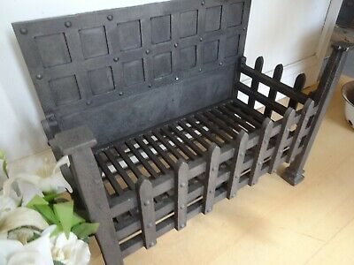 Lovely Vintage Antique Very Large Cast Iron Fire Dog Grate
