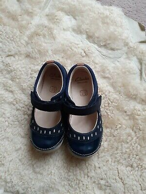 Clarks Girls Infant Leather Shoes, Size 7F