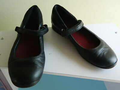 girls Clarks black leather flat shoes with fasteners uk 13.5 F eur 32.5