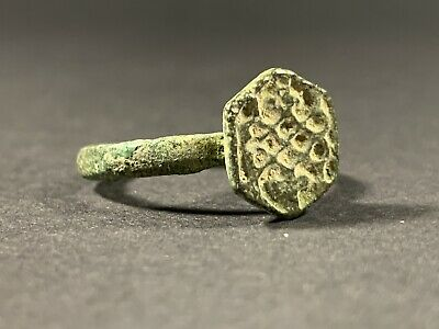 Ancient Roman Bronze Beautiful Carved Ring - Very Wearable - Circa 300-400Ad