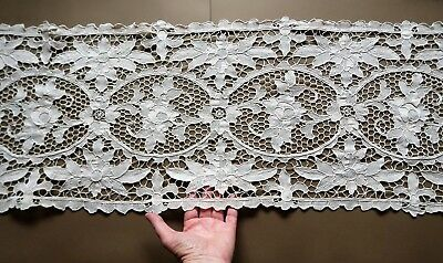 Vintage 32 X 98cm Oblong Hand Crafted Cream Lace Doyley