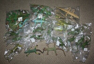 Lot of 46 Rubber Lizards Plastic Lizards Alligators Toy Animals Reptiles Gecko