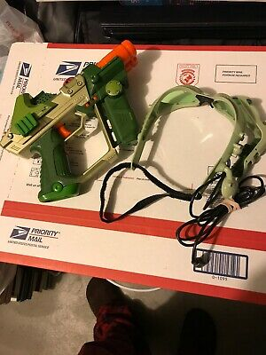 Tiger Electronics Lazer Tag Deluxe Tagger blaster And Goggles EUC