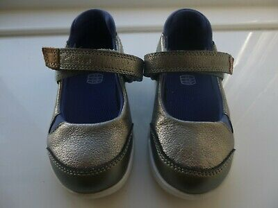 Clarks First Shoes Silver Size 5F Girls Trigenic NEVER WORN