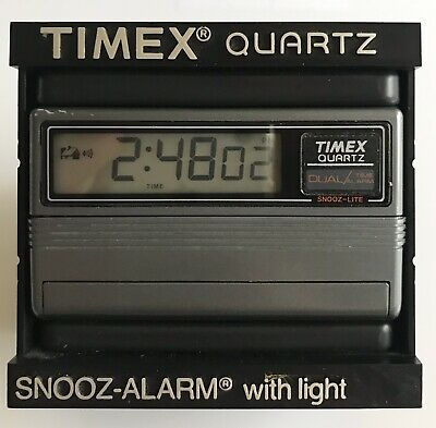 TIMEX - Alarm Clock - Vintage Retro 1980s- Timex Quartz Digital Mini Snooze 412