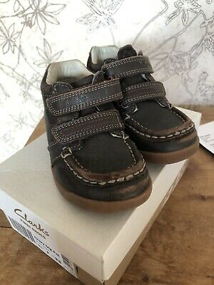 Clarks Boys Shoes Boots Leather Size 61/2 F winter Infant Toddler