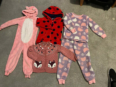 Small Bundle Of Girls Clothes Age 4/5 And 5/6