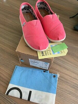 Girls TOMS C13 Pink Brand New In Box RRP £28