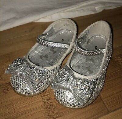 TU Baby Girls Infant Shoes Size 5 Silver