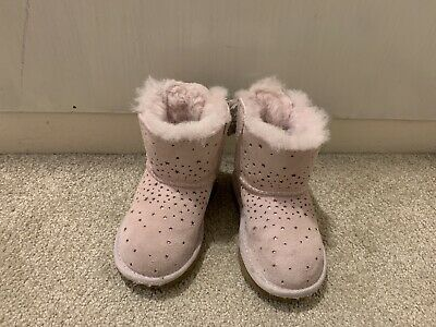 Genuine Childrens Kids Pink Uggs Boots Size 6