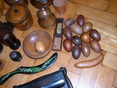 collection of old treen, over 35 items.