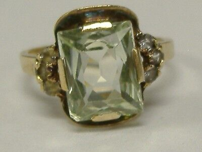 Art Deco  Solid 10 K  Gold   Light Green Stone Ring Size 6,5